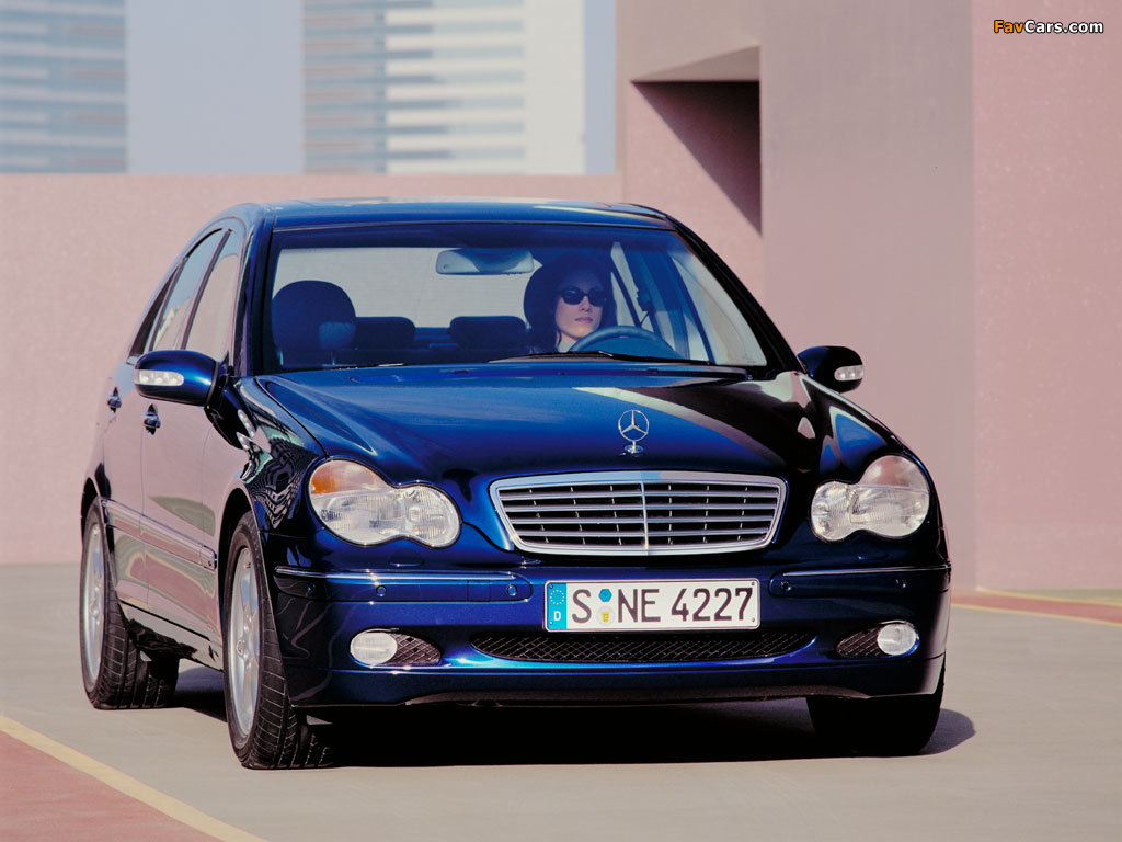 Photos of Mercedes-Benz C 270 CDI (W203) 2000–05 (1024 x 768)