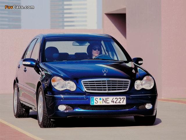 Photos of Mercedes-Benz C 270 CDI (W203) 2000–05 (640 x 480)