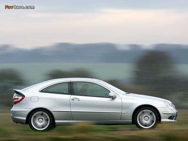 Photos of Mercedes-Benz C 320 Sportcoupe UK-spec (C203) 2005–07 (640 x 480)