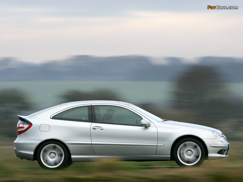 Photos of Mercedes-Benz C 320 Sportcoupe UK-spec (C203) 2005–07 (800 x 600)