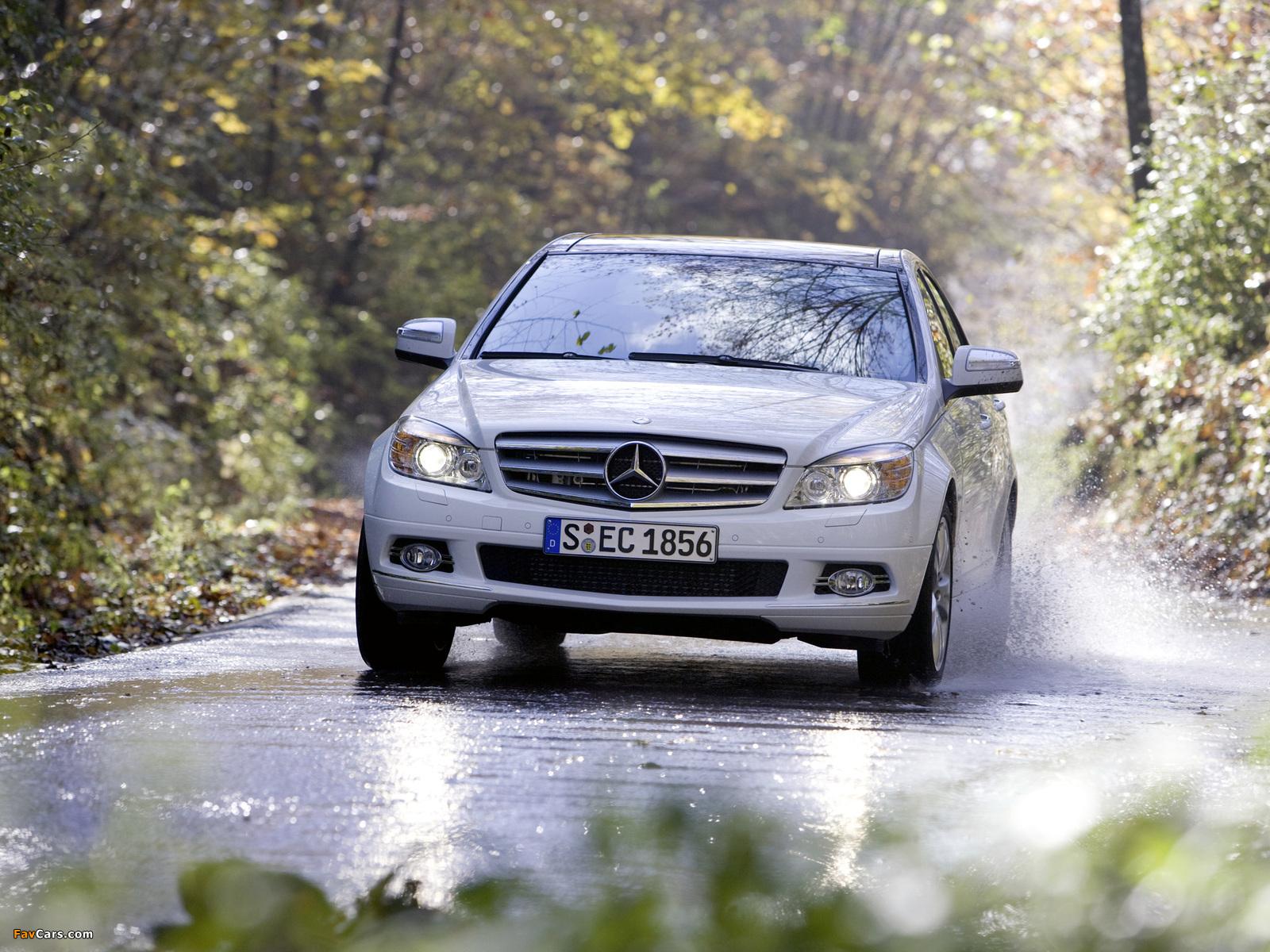 Photos of Mercedes-Benz C 350 4MATIC (W204) 2007–11 (1600 x 1200)