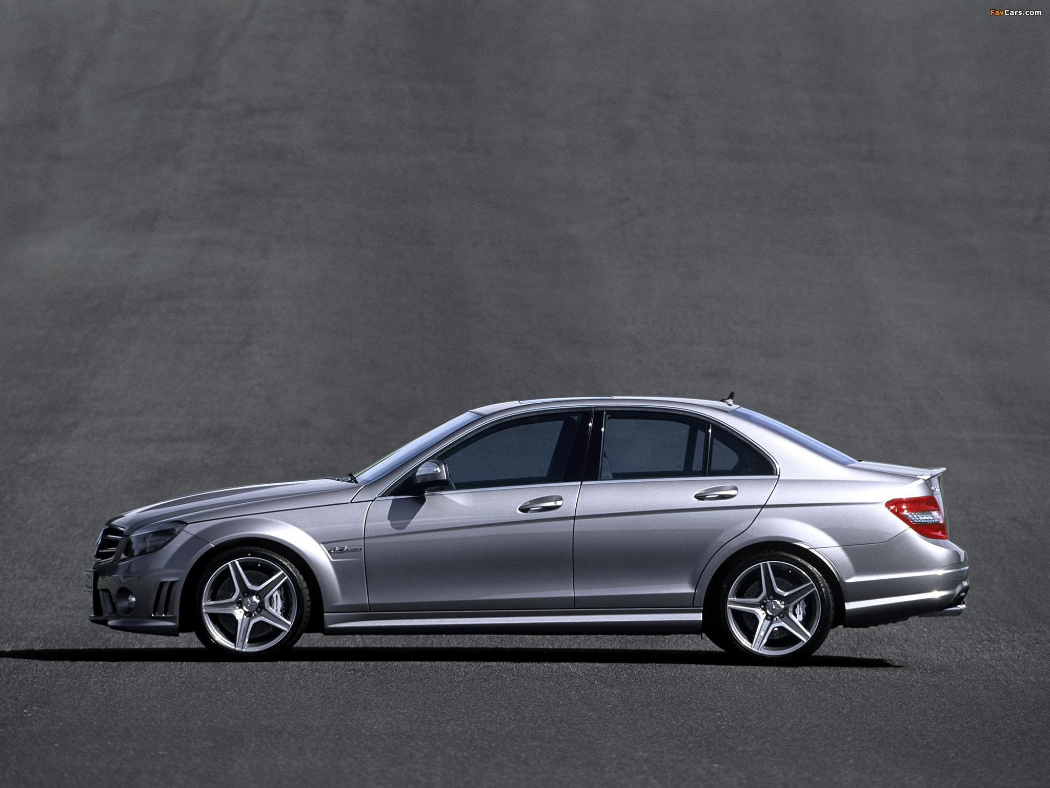 Photos of Mercedes-Benz C 63 AMG (W204) 2007–11 (2048 x 1536)