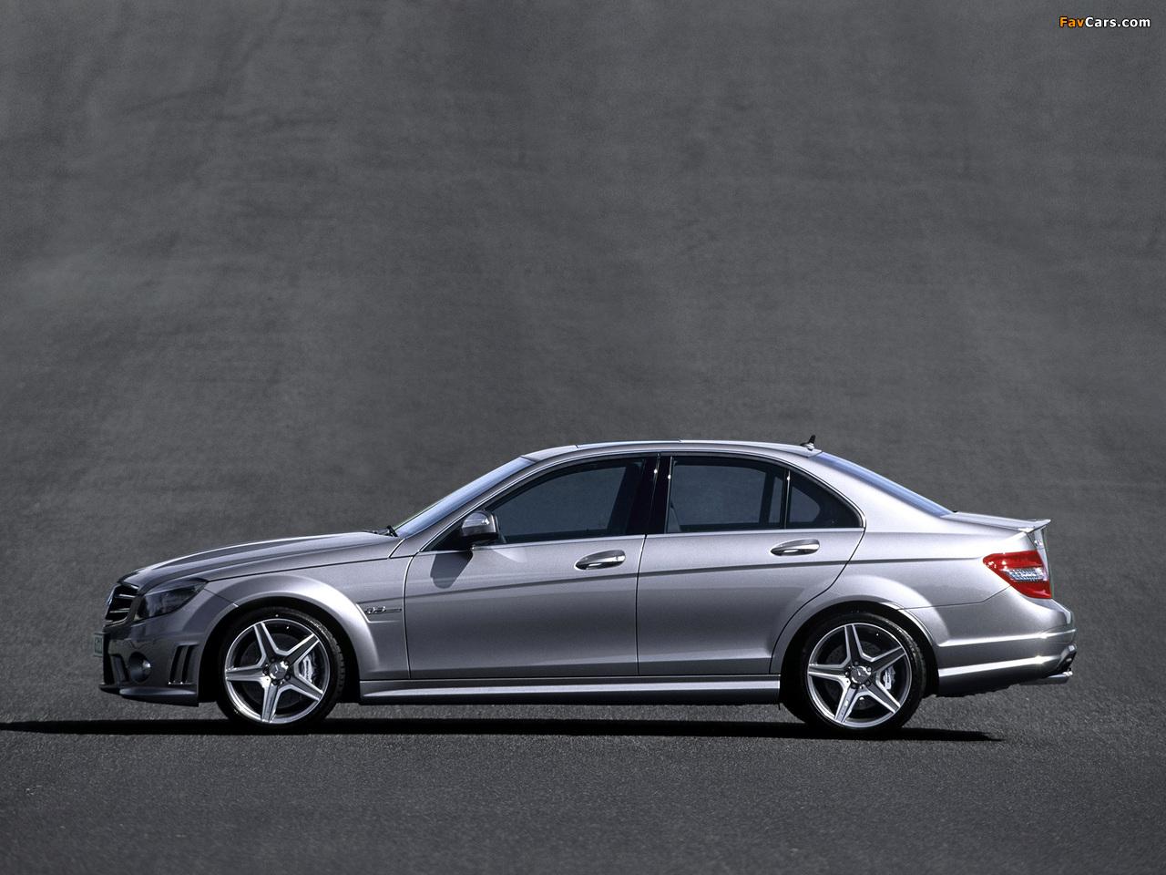 Photos of Mercedes-Benz C 63 AMG (W204) 2007–11 (1280 x 960)