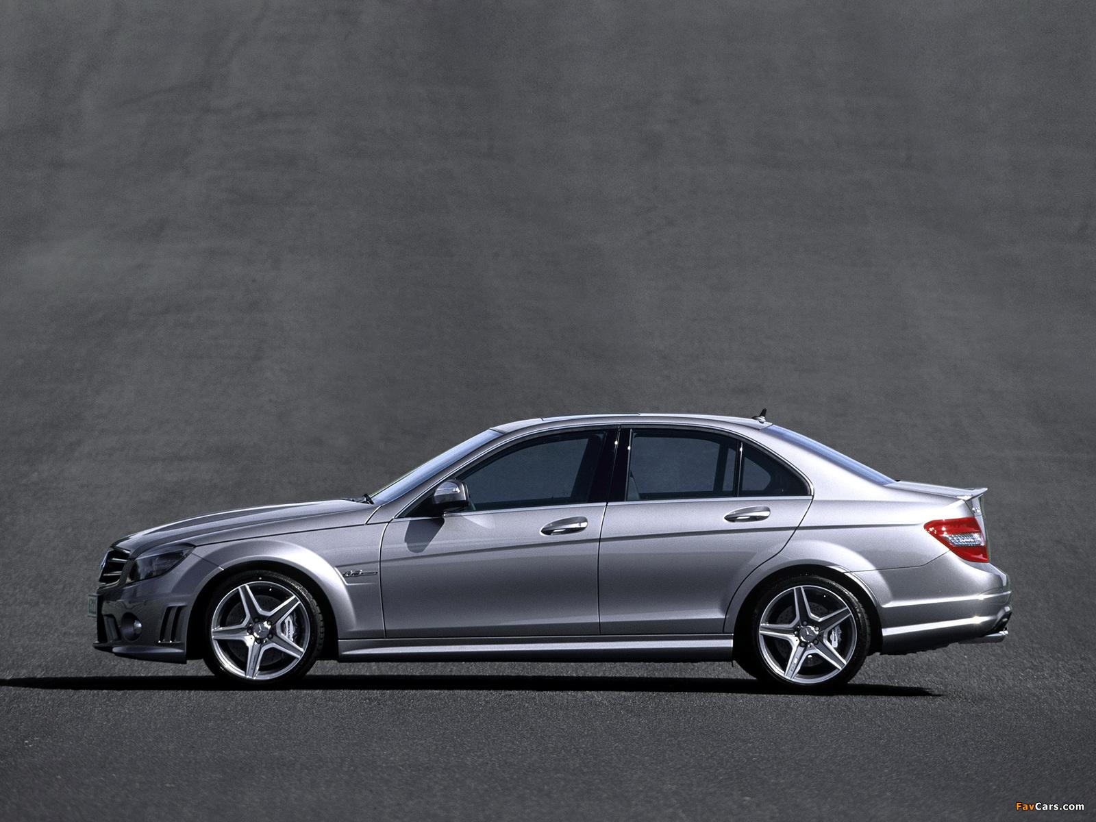 Photos of Mercedes-Benz C 63 AMG (W204) 2007–11 (1600 x 1200)