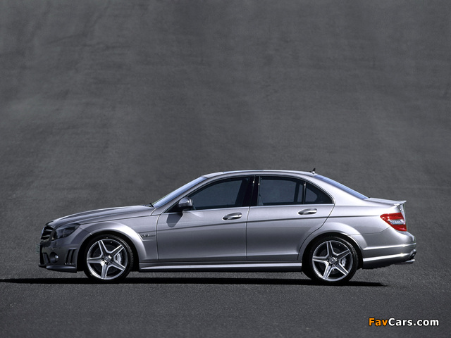 Photos of Mercedes-Benz C 63 AMG (W204) 2007–11 (640 x 480)