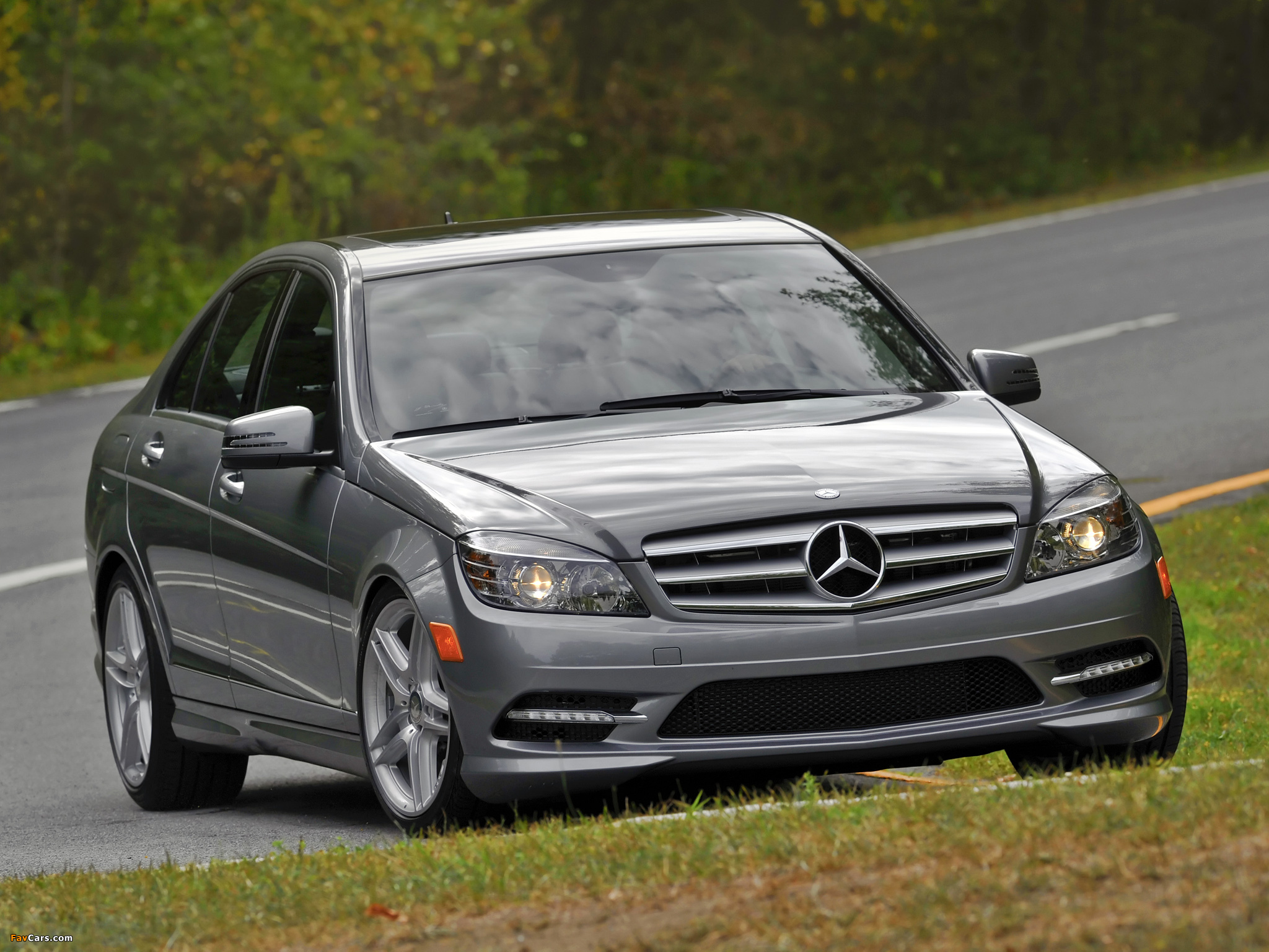 Photos of Mercedes-Benz C 300 Sport US-spec (W204) 2010–11 (2048 x 1536)