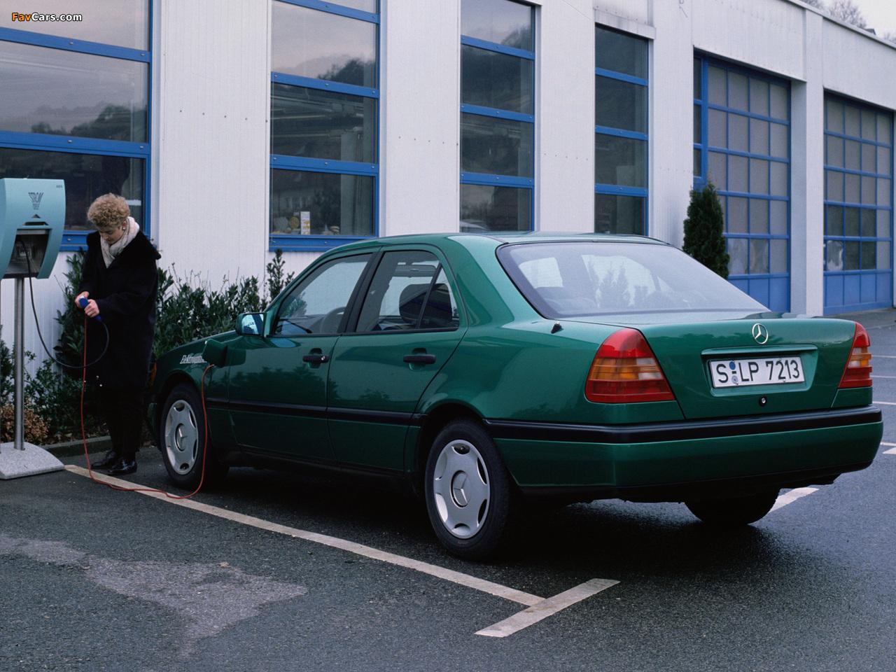 Photos of Mercedes-Benz C-Klasse Elektroantrieb (W202) (1280 x 960)