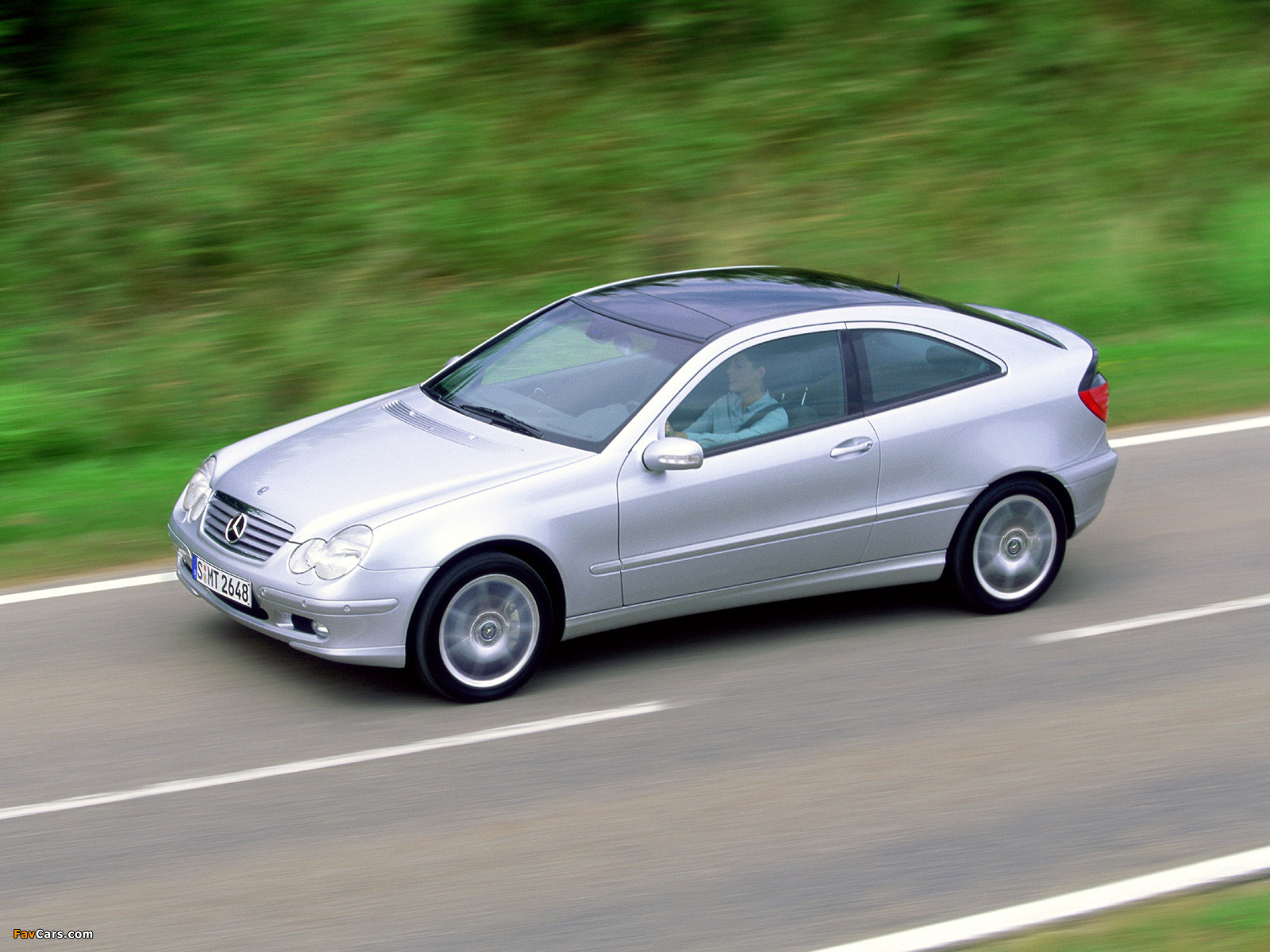 Pictures of Mercedes-Benz C 200 Kompressor Sportcoupe (C203) 2001–05 (1600 x 1200)