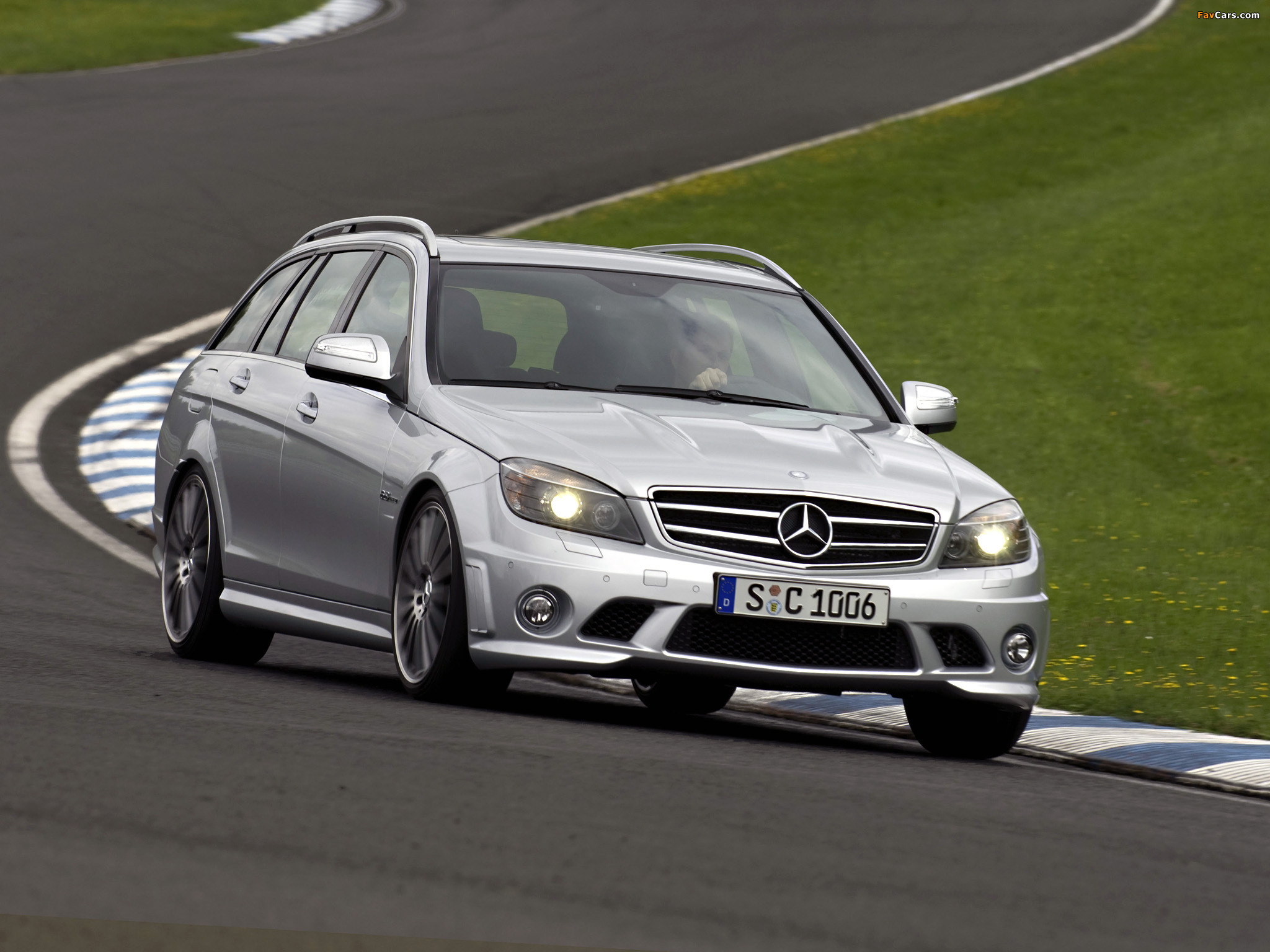 Pictures of Mercedes-Benz C 63 AMG Estate (S204) 2008–11 (2048 x 1536)