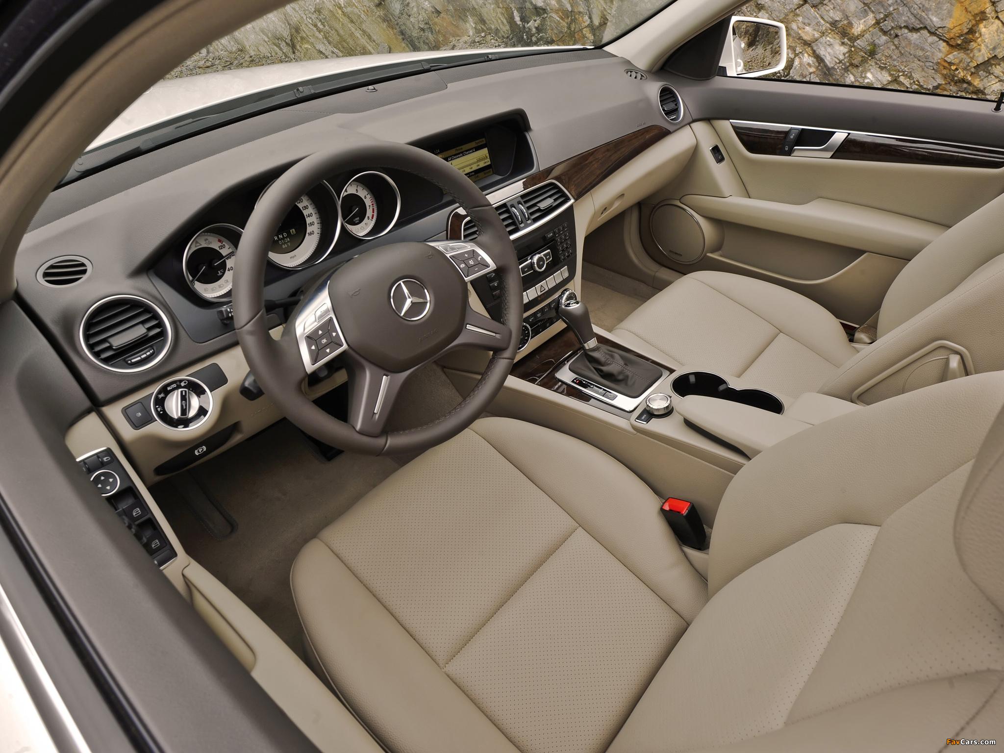 Pictures of Mercedes-Benz C 300 4MATIC US-spec (W204) 2011 (2048 x 1536)
