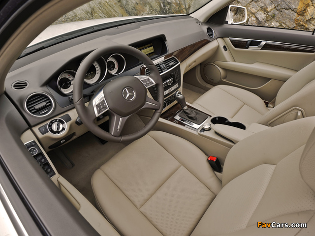Pictures of Mercedes-Benz C 300 4MATIC US-spec (W204) 2011 (640 x 480)