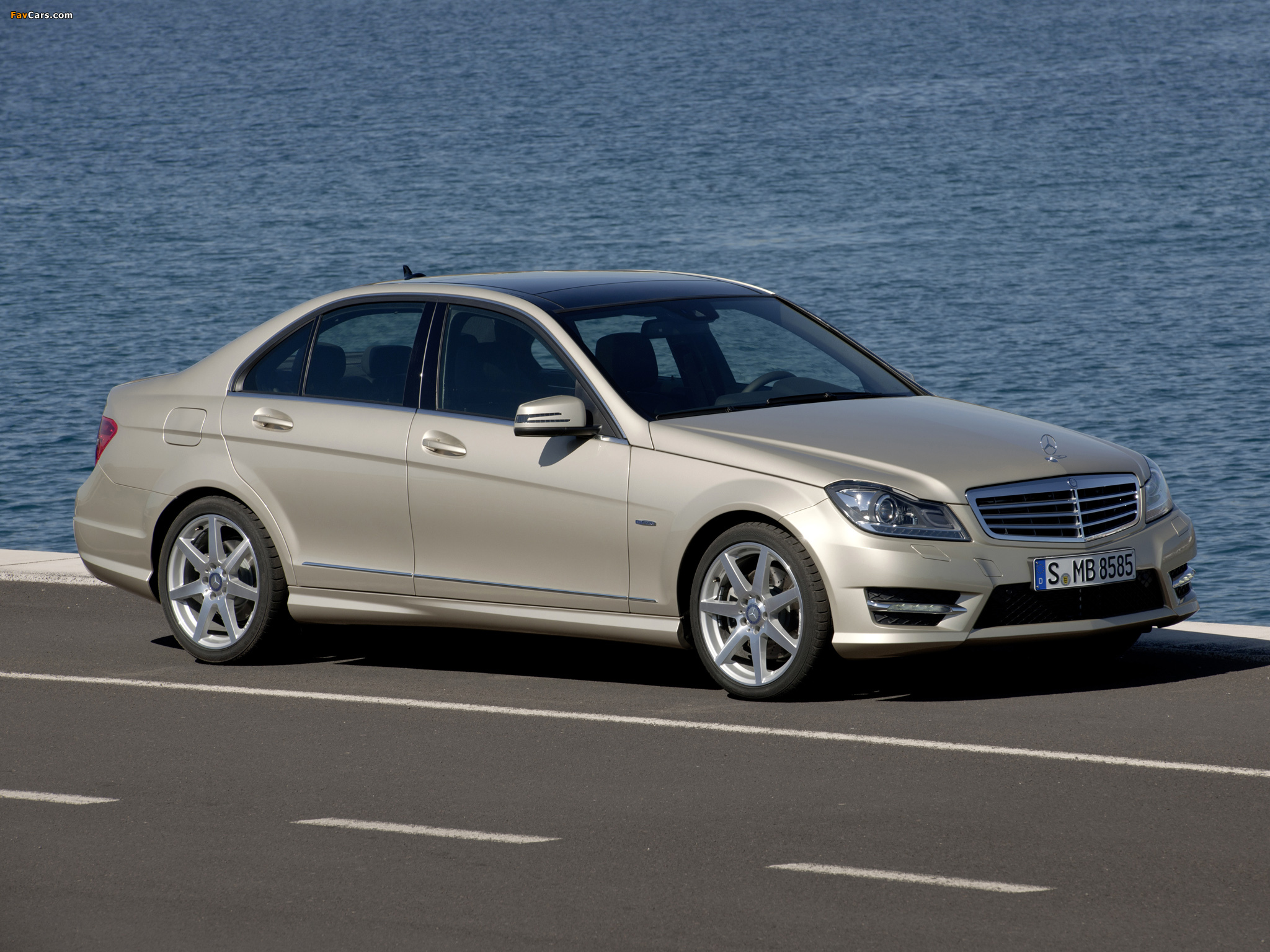 Pictures of Mercedes-Benz C 350 AMG Sports Package (W204) 2011 (2048 x 1536)