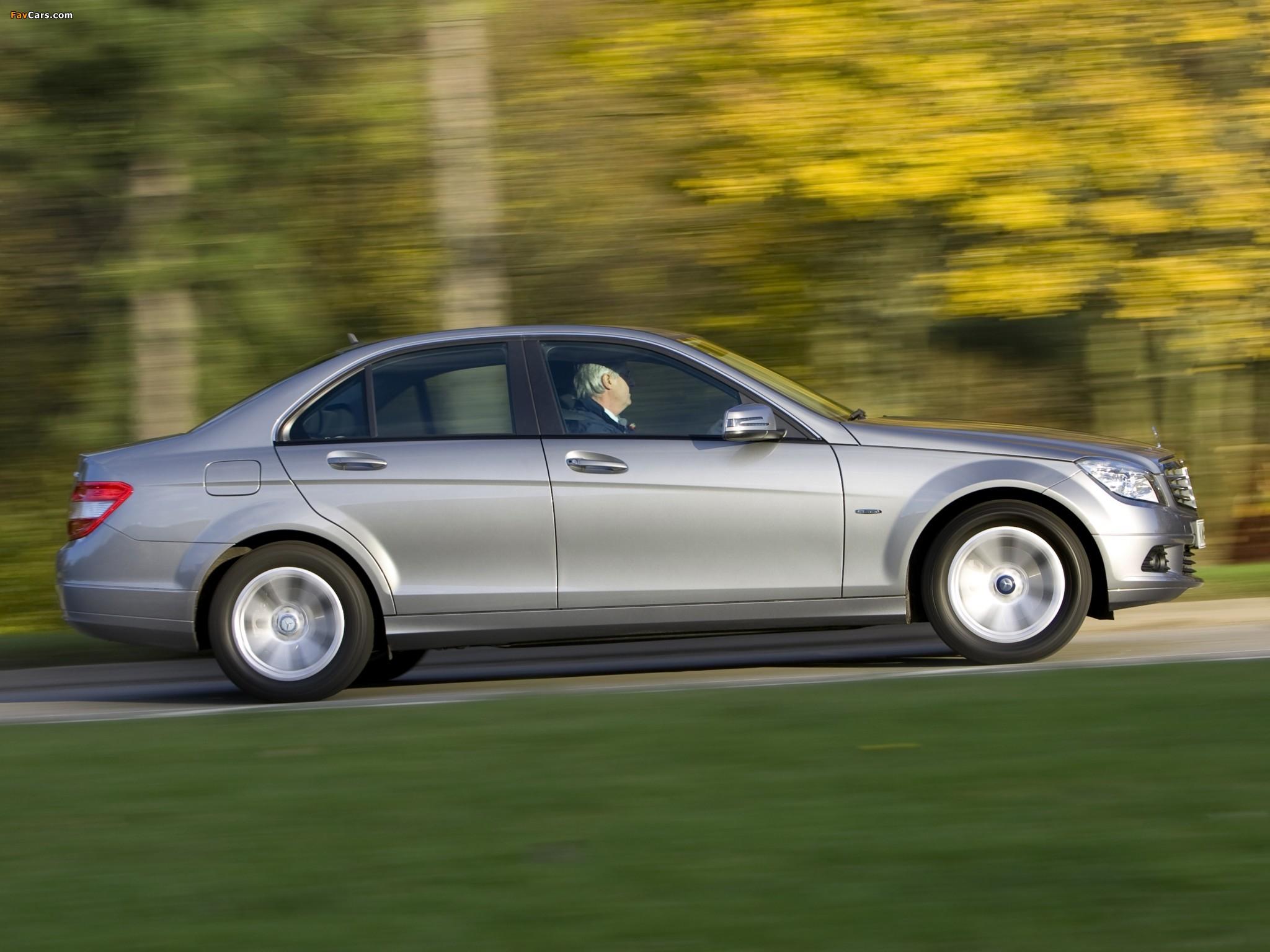 Mercedes-Benz C 180 Kompressor BlueEfficiency UK-spec (W204) 2008–11 wallpapers (2048 x 1536)