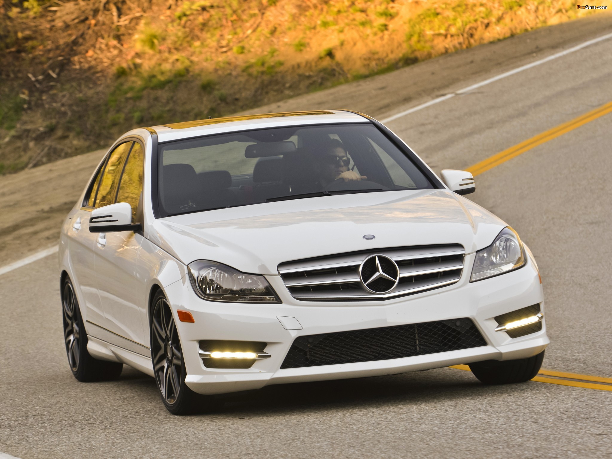 Mercedes-Benz C 300 4MATIC AMG Sports Package US-spec (W204) 2011 wallpapers (2048 x 1536)