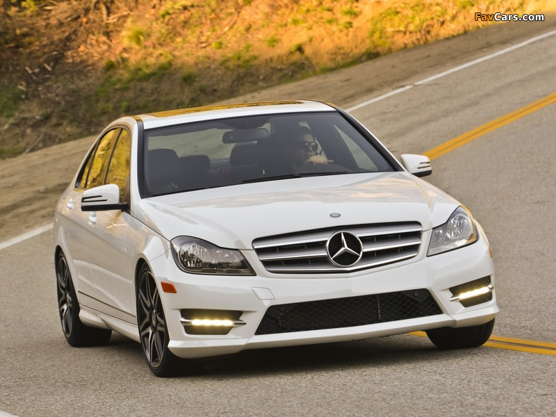Mercedes-Benz C 300 4MATIC AMG Sports Package US-spec (W204) 2011 wallpapers (800 x 600)