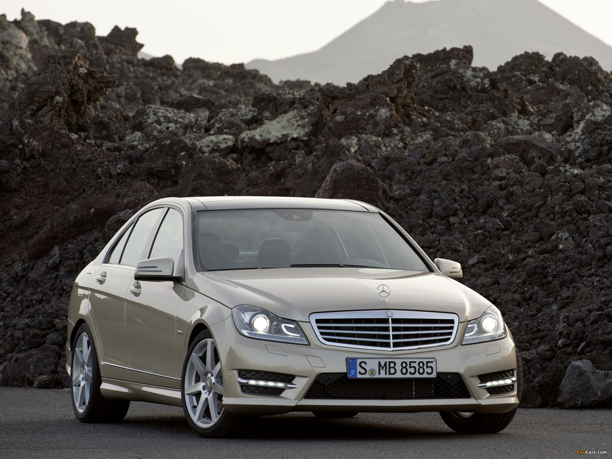 Mercedes-Benz C 350 AMG Sports Package (W204) 2011 wallpapers (2048 x 1536)