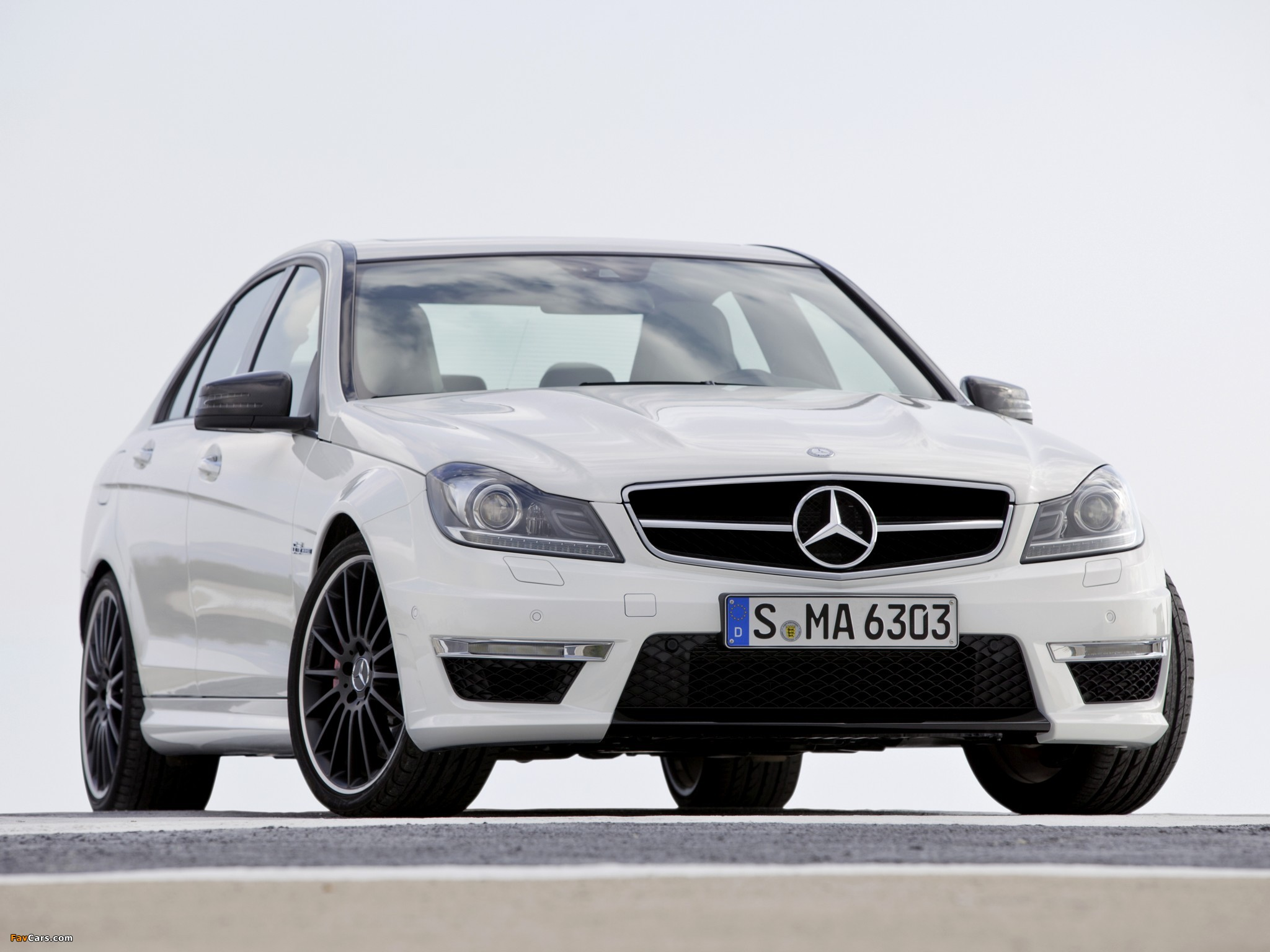 Mercedes-Benz C 63 AMG (W204) 2011 wallpapers (2048 x 1536)