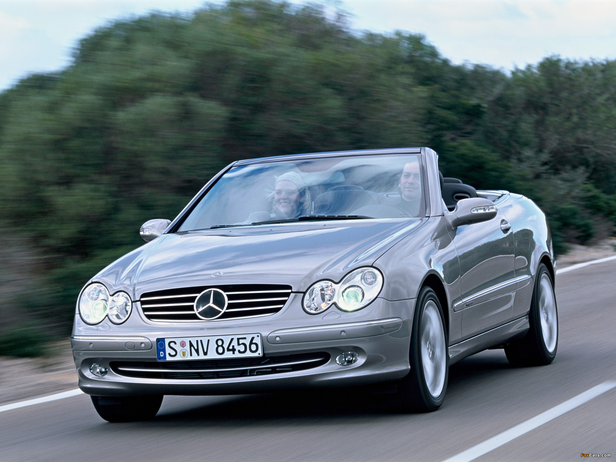 Photos of Mercedes-Benz CLK 500 Cabrio (A209) 2003–05 (2048 x 1536)