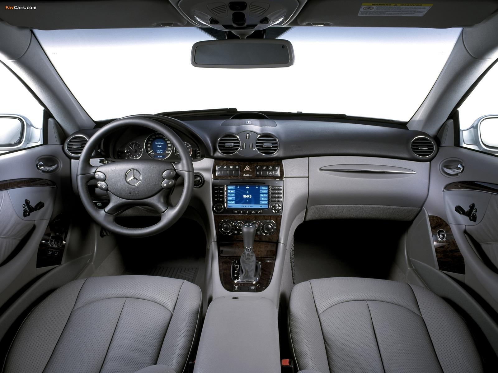 Photos of Mercedes-Benz CLK 350 (C209) 2005–09 (1600 x 1200)