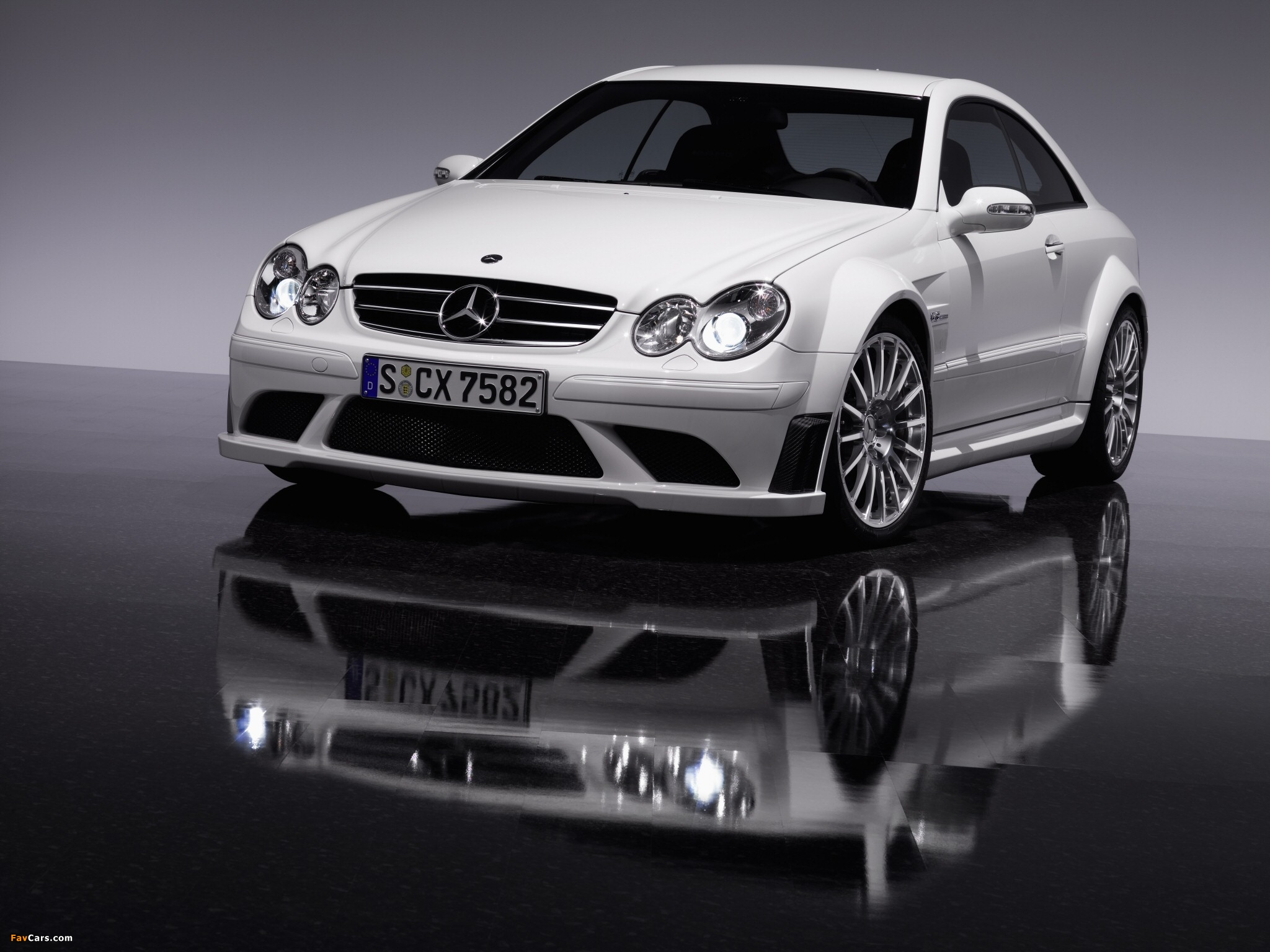 Photos of Mercedes-Benz CLK 63 AMG Black Series (C209) 2007–09 (2048 x 1536)