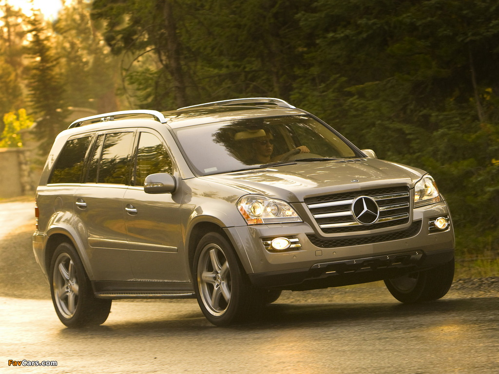Mercedes-Benz GL 550 US-spec (X164) 2006–09 pictures (1024 x 768)
