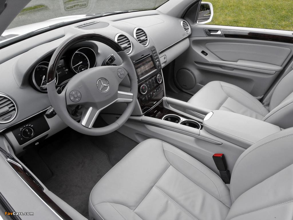 Photos of Mercedes-Benz GL 350 BlueTec US-spec (X164) 2009–12 (1024 x 768)