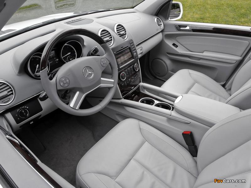 Photos of Mercedes-Benz GL 350 BlueTec US-spec (X164) 2009–12 (800 x 600)