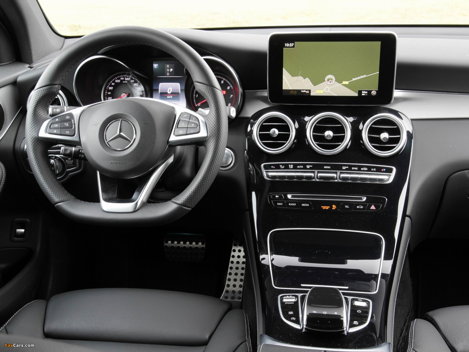 Pictures of Mercedes-Benz GLC 250 4MATIC AMG Line (X253) 2015 (1600 x 1200)