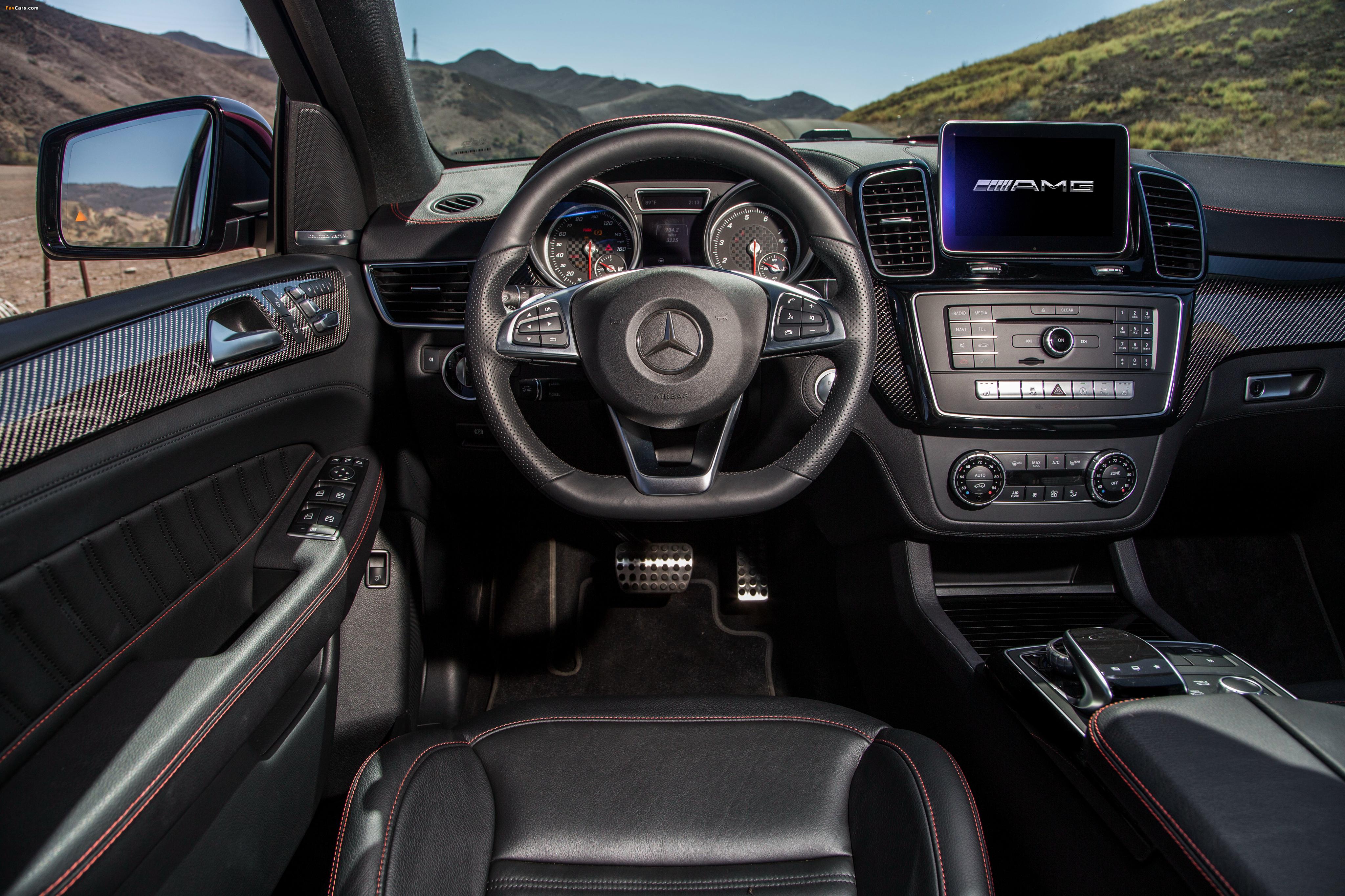 Mercedes-Benz GLE 450 AMG 4MATIC Coupé US-spec 2015 photos (4096 x 2731)
