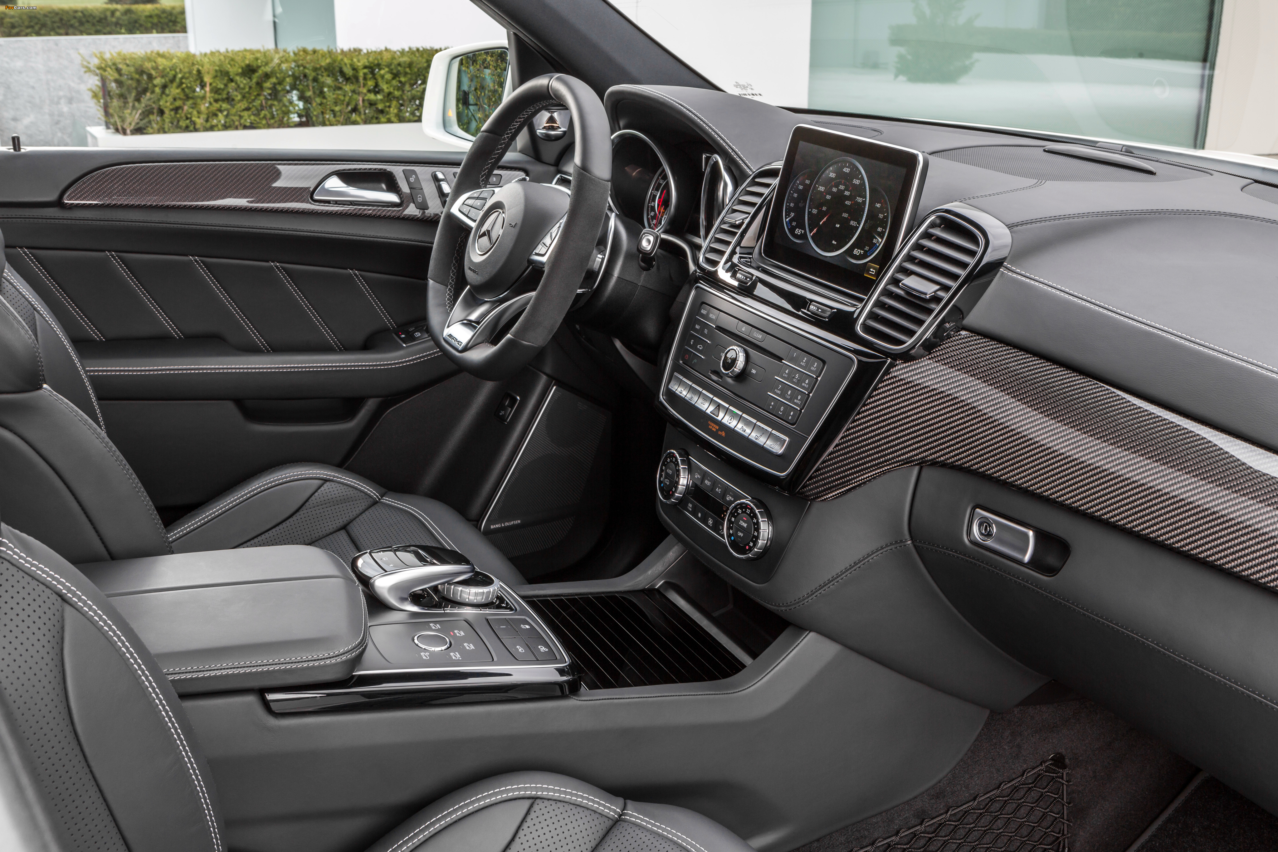 Photos of Mercedes-AMG GLE 63 S 4MATIC (W166) 2015 (4096 x 2731)