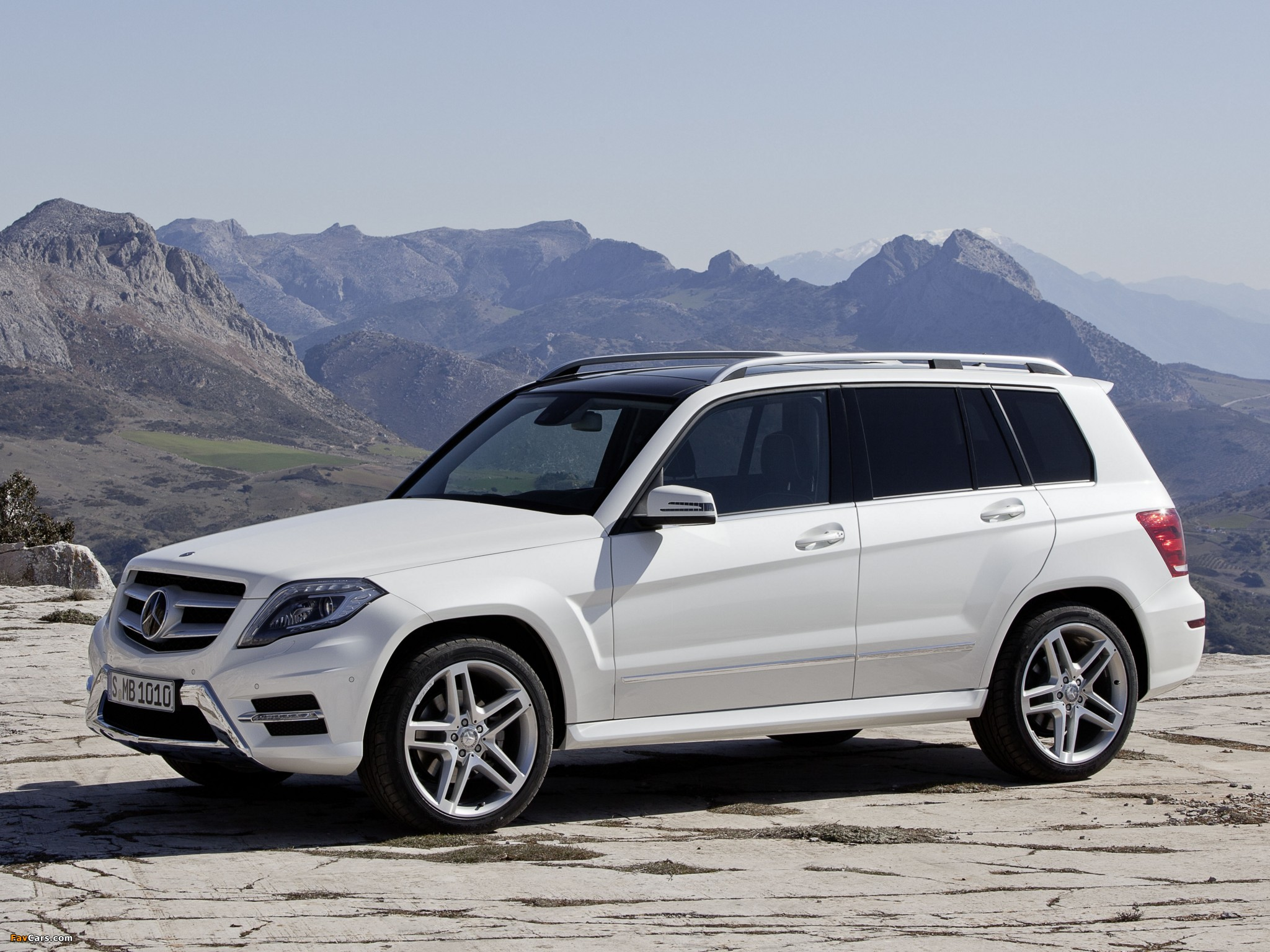 Images of Mercedes-Benz GLK 350 BlueEfficiency (X204) 2012 ...
