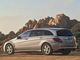 Images of Mercedes-Benz R 500 US-spec (W251) 2005–10