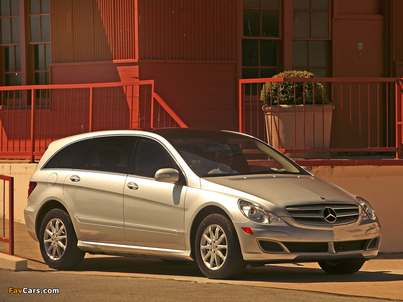 Images of Mercedes-Benz R 350 US-spec (W251) 2005–08 (800 x 600)