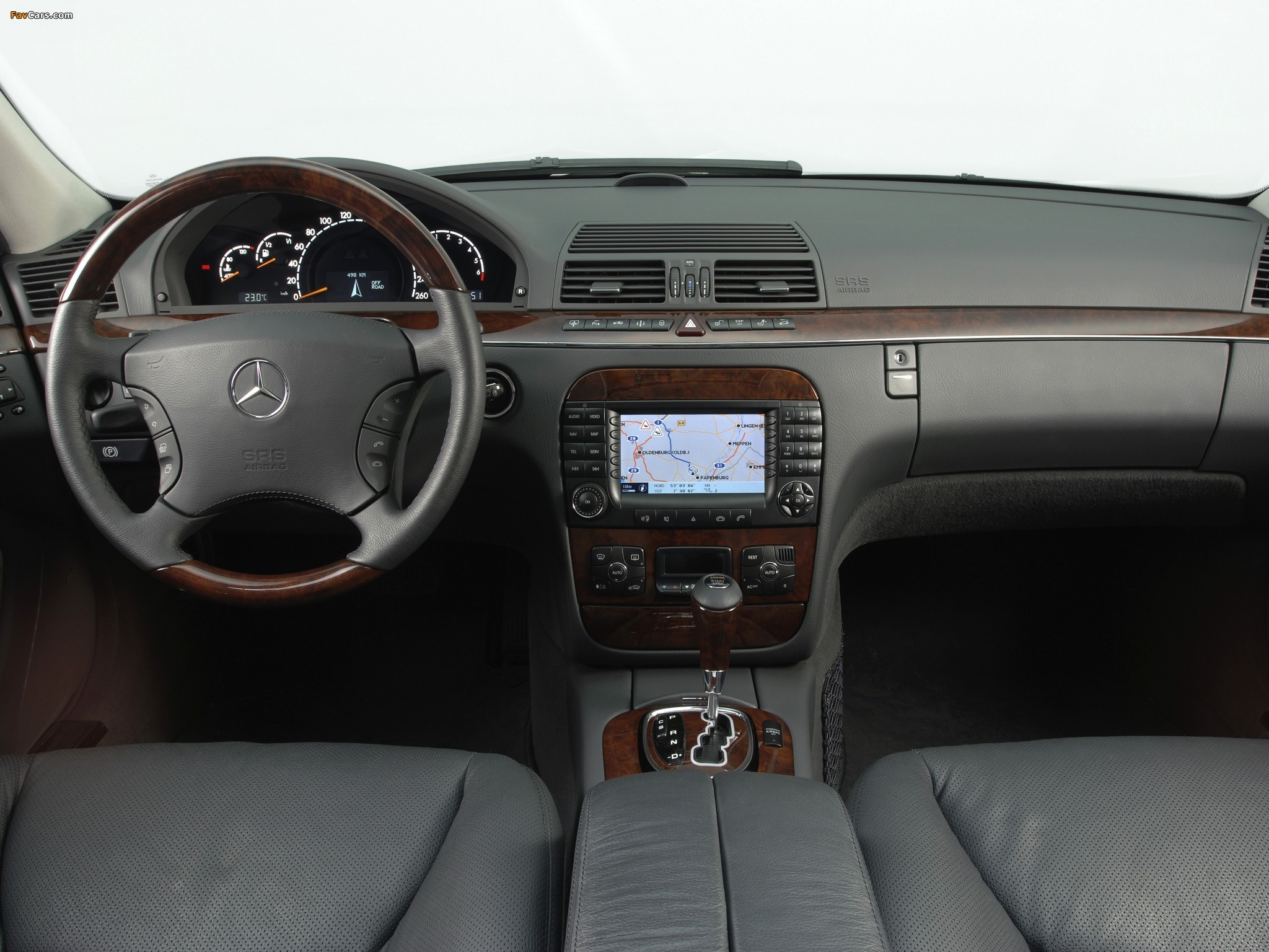Images of Mercedes-Benz S 280 (W220) 1998–2002 (2048 x 1536)