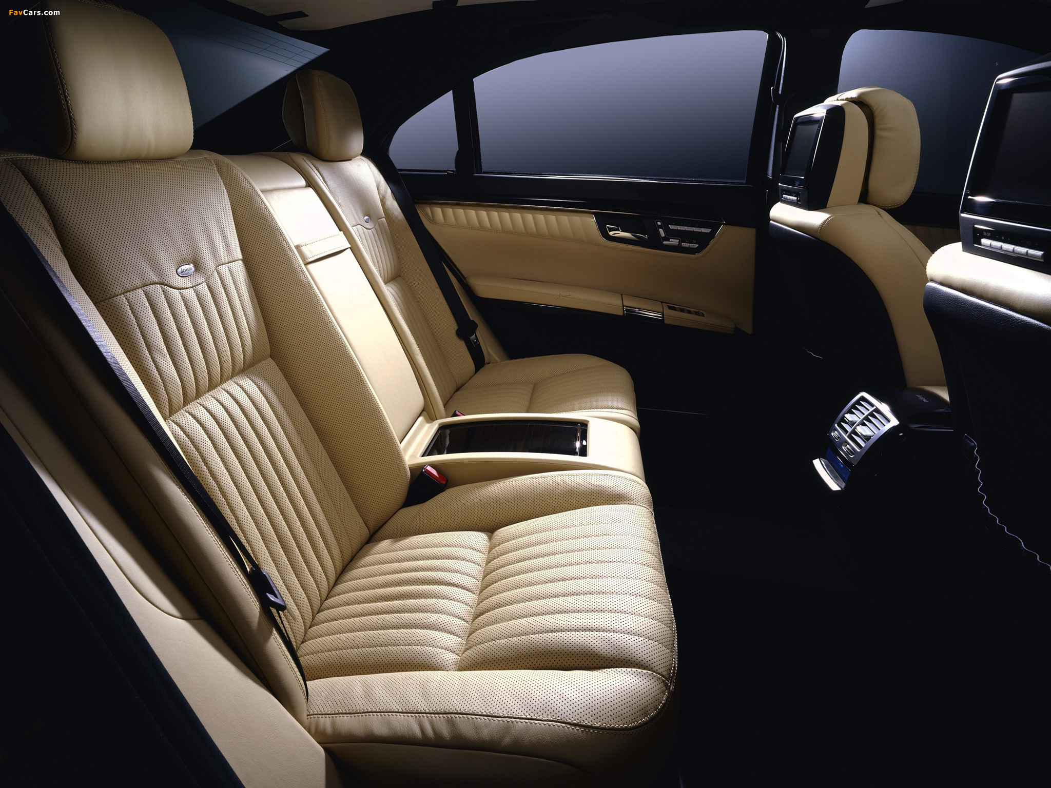 Images of Mercedes-Benz S 600 (W221) 2005–09 (2048 x 1536)