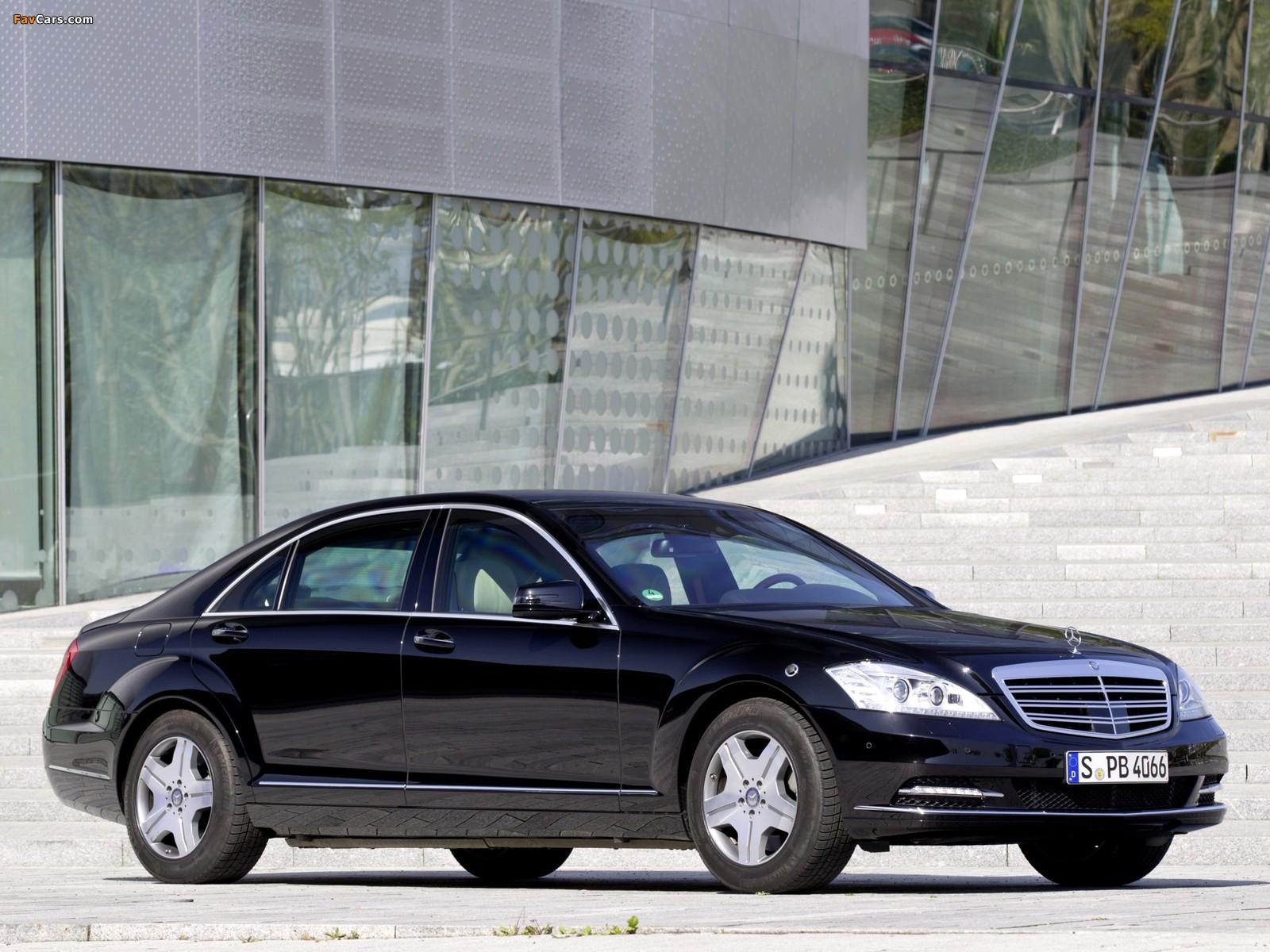 Images of Mercedes-Benz S 600 Guard (W221) 2010–13 (1600 x 1200)