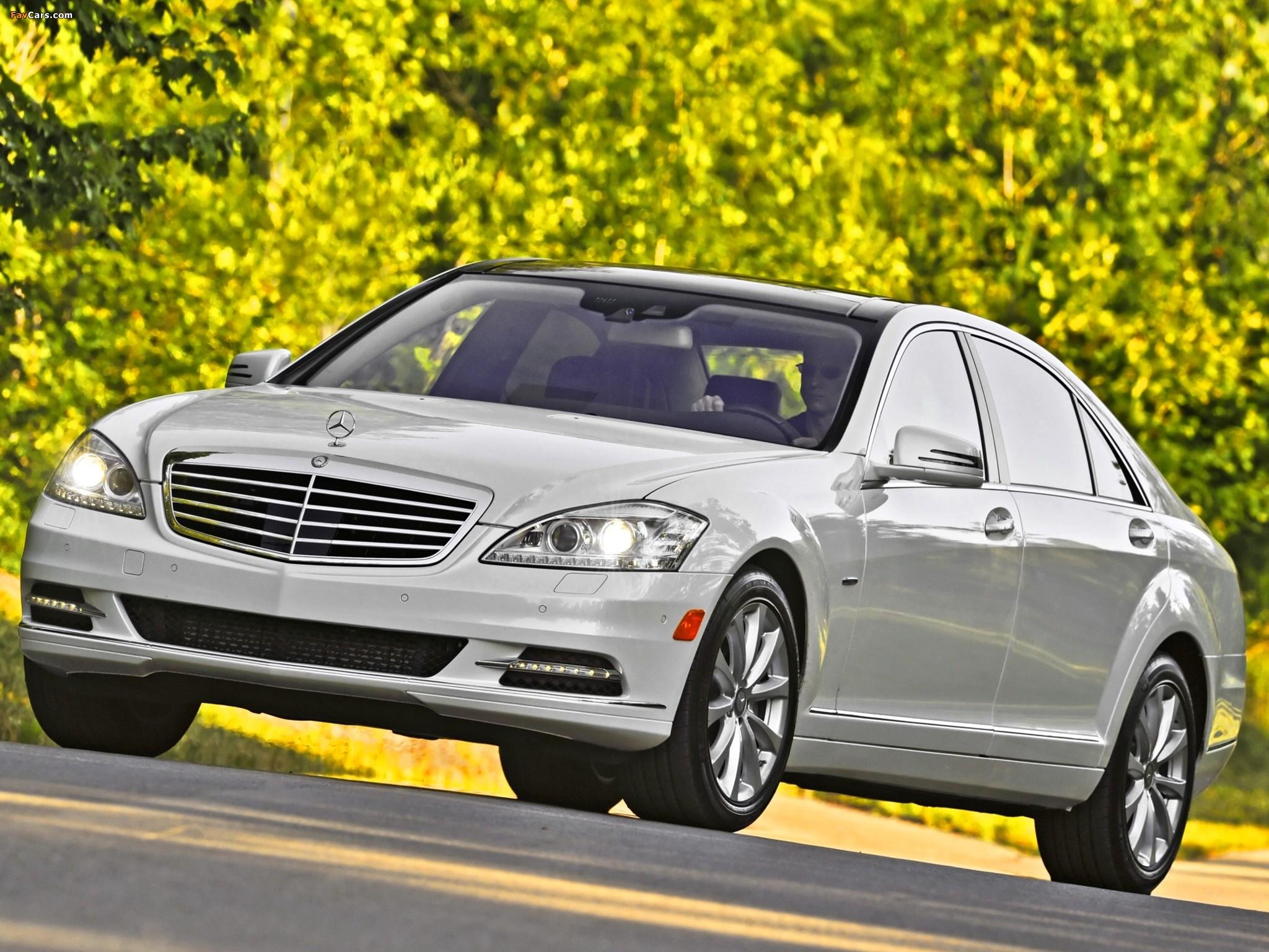 Images of Mercedes-Benz S 350 BlueTec US-spec (W221) 2010–13 (2048 x 1536)