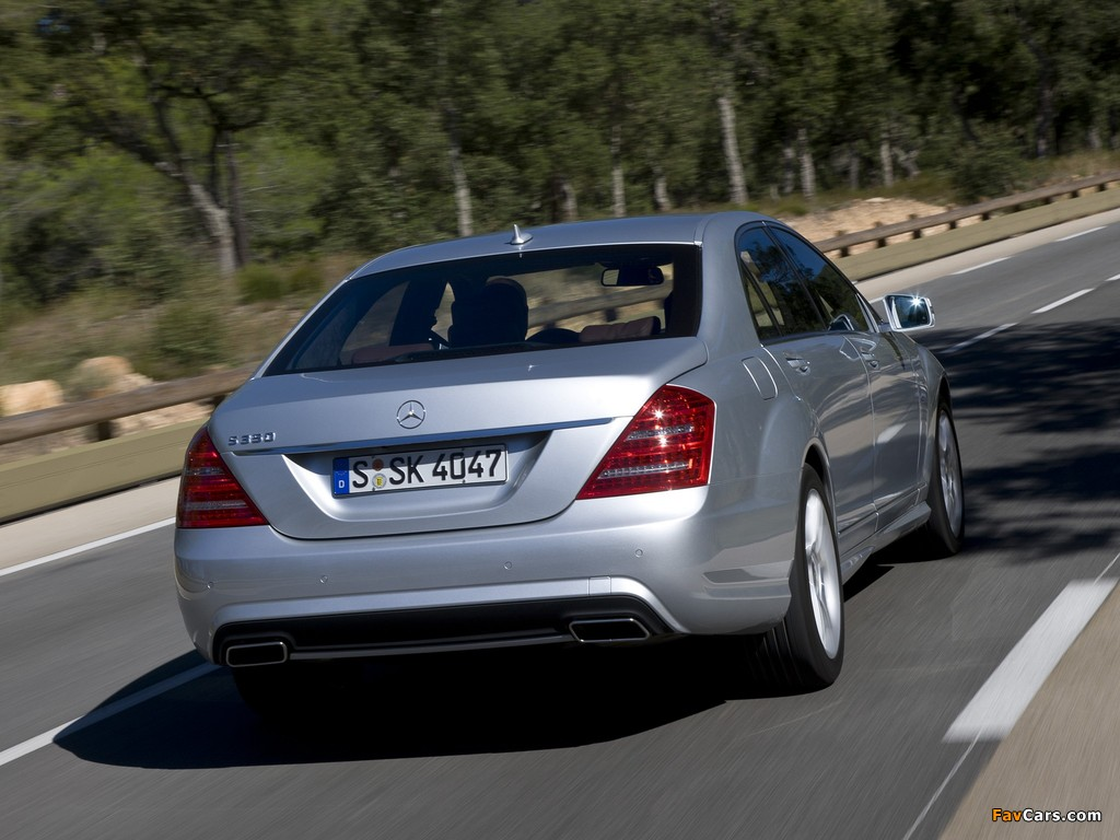 Images of Mercedes-Benz S 350 BlueEfficiency AMG Sports Package (W221) 2010–13 (1024 x 768)