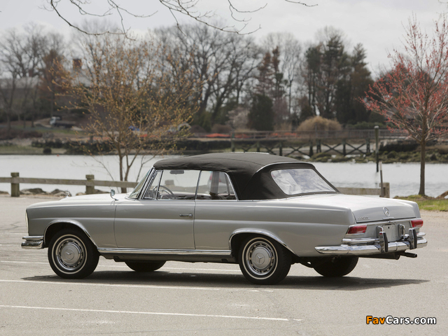 Mercedes-Benz 220 SE Cabriolet US-spec (W111) 1961–65 pictures (640 x 480)