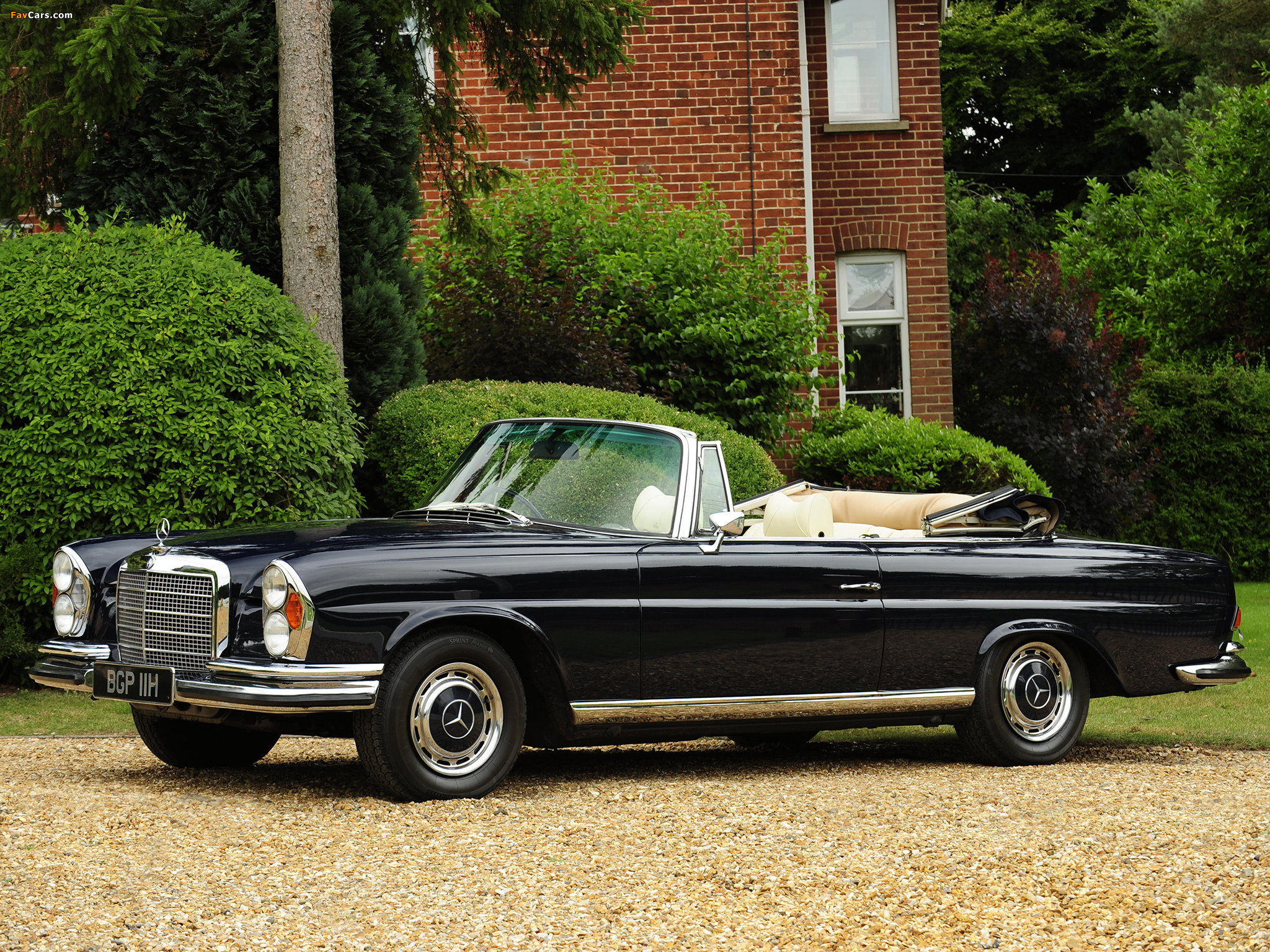 Mercedes benz 280 se 3 5 cabriolet uk spec w111 1969 71 for 1969 mercedes benz 280 se convertible