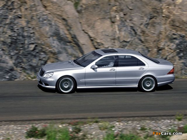 Mercedes-Benz S 65 AMG (W220) 2004–05 wallpapers (640 x 480)