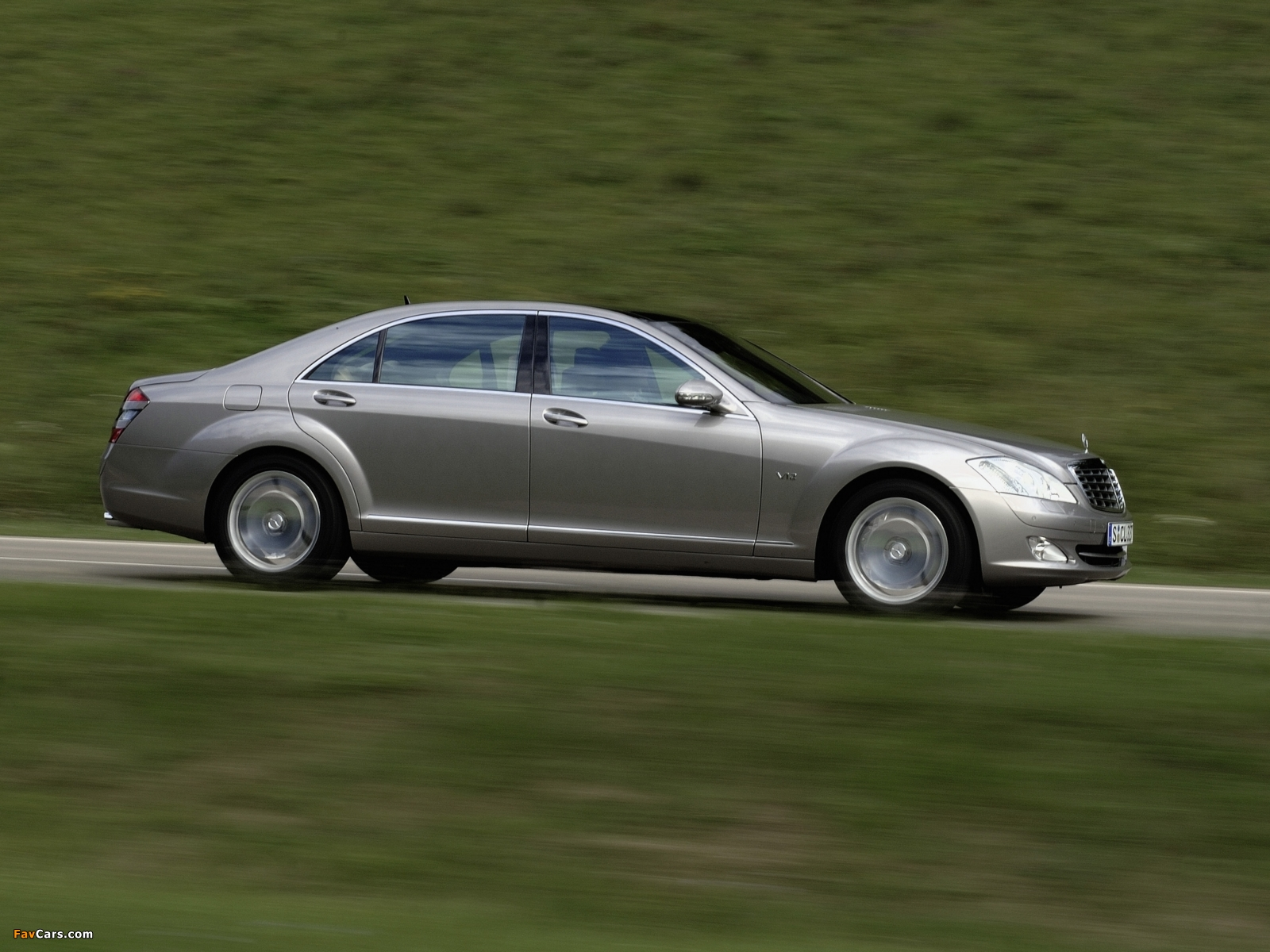 Pictures of Mercedes-Benz S 600 (W221) 2005–09 (1600 x 1200)