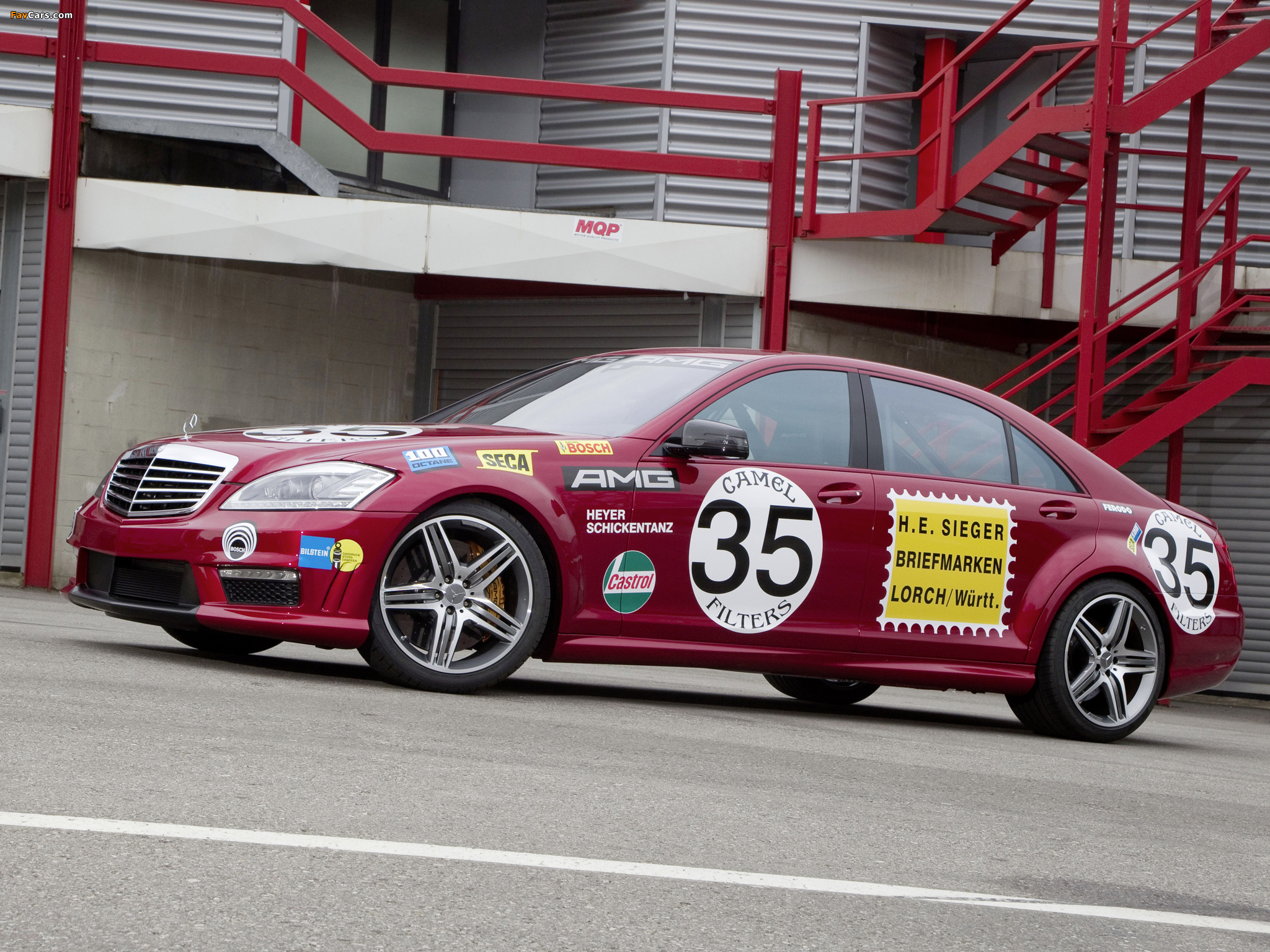 Pictures of Mercedes-Benz S 63 AMG Show Car (W221) 2010 (2048 x 1536)