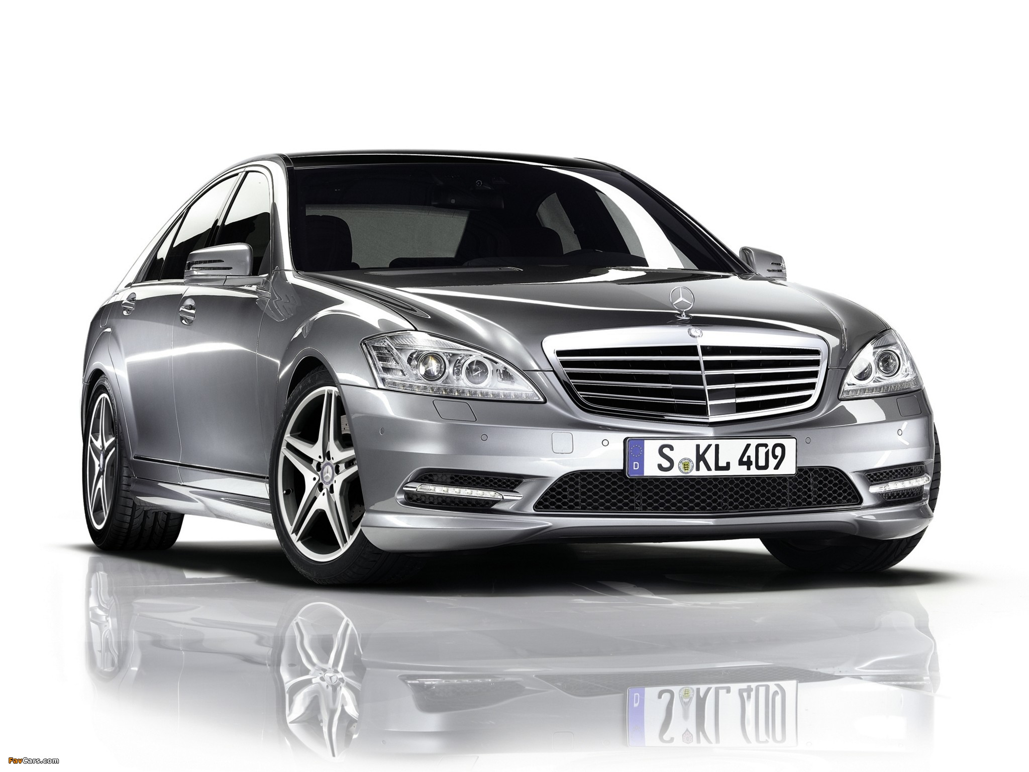 Pictures of Mercedes-Benz S 350 BlueEfficiency AMG Sports Package (W221) 2010–13 (2048 x 1536)