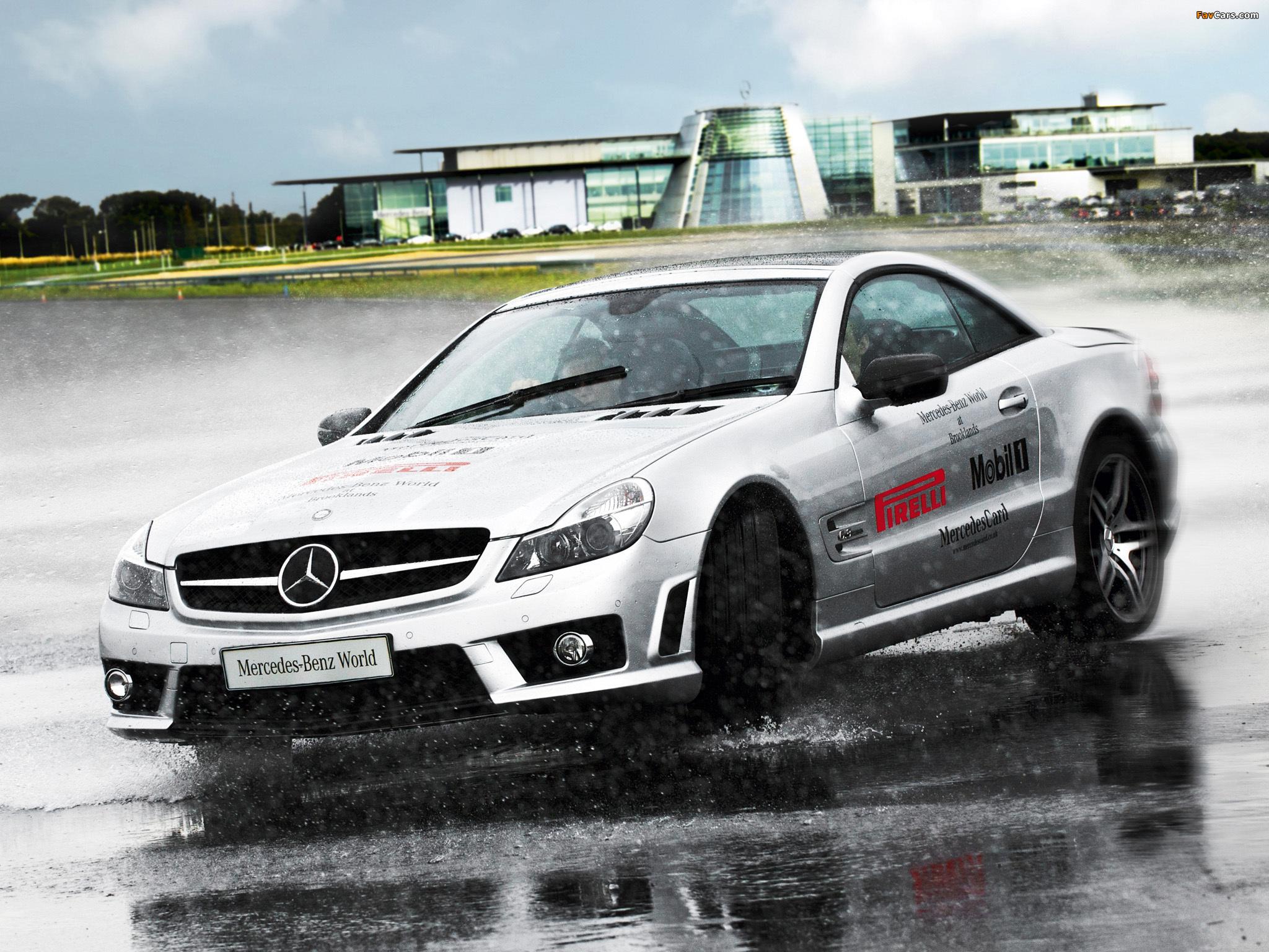 Images of Mercedes-Benz SL 63 AMG UK-spec (R230) 2008–11 (2048 x 1536)