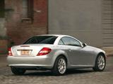 Images of Mercedes-Benz SLK 350 US-spec (R171) 2004–07