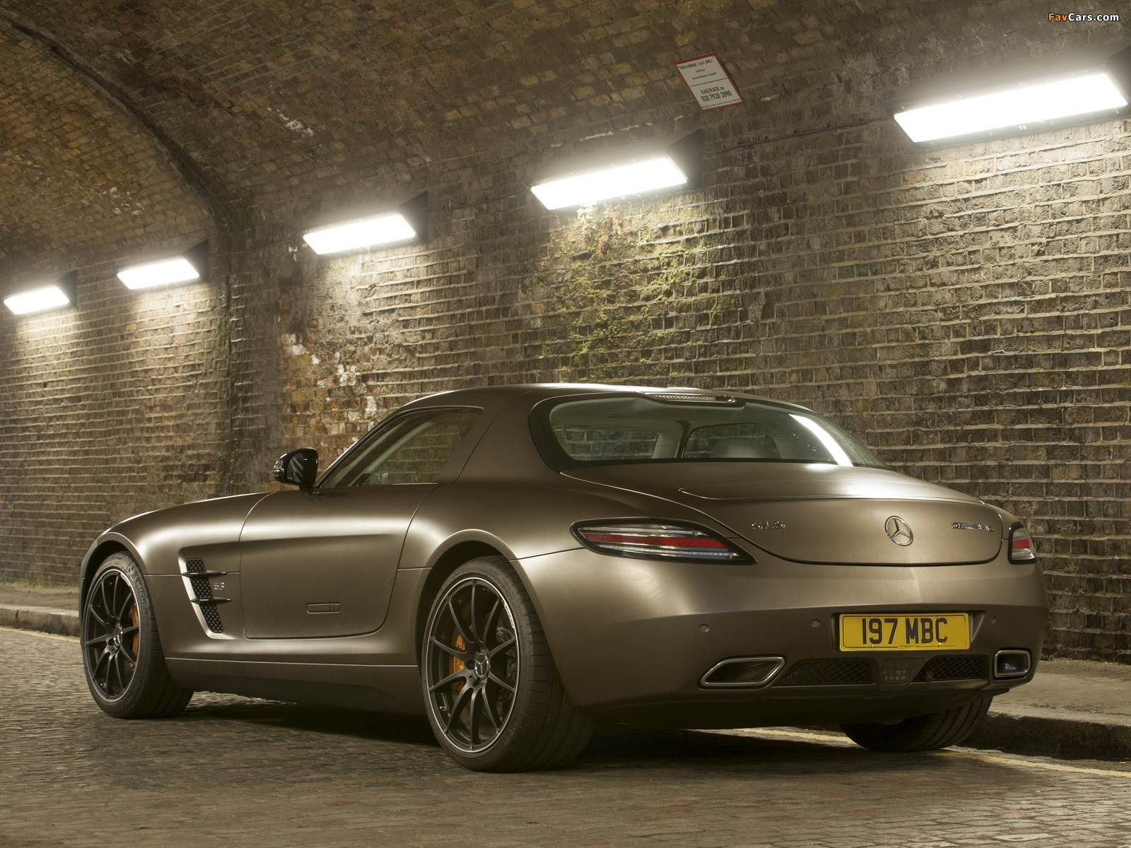 Mercedes-Benz SLS 63 AMG GT UK-spec (C197) 2012 wallpapers (1600 x 1200)