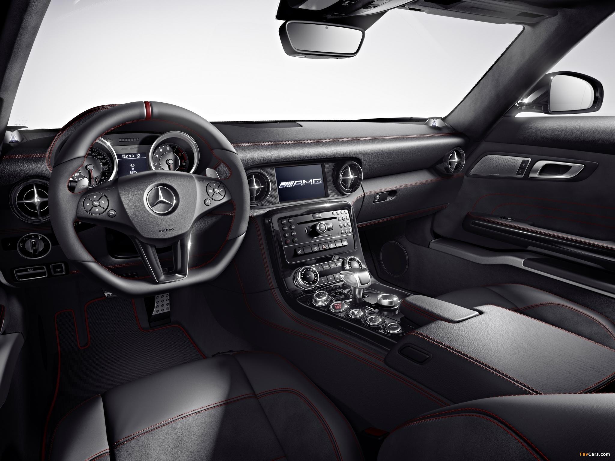 Pictures of Mercedes-Benz SLS 63 AMG GT (C197) 2012 (2048 x 1536)