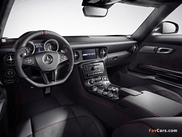 Pictures of Mercedes-Benz SLS 63 AMG GT (C197) 2012 (640 x 480)