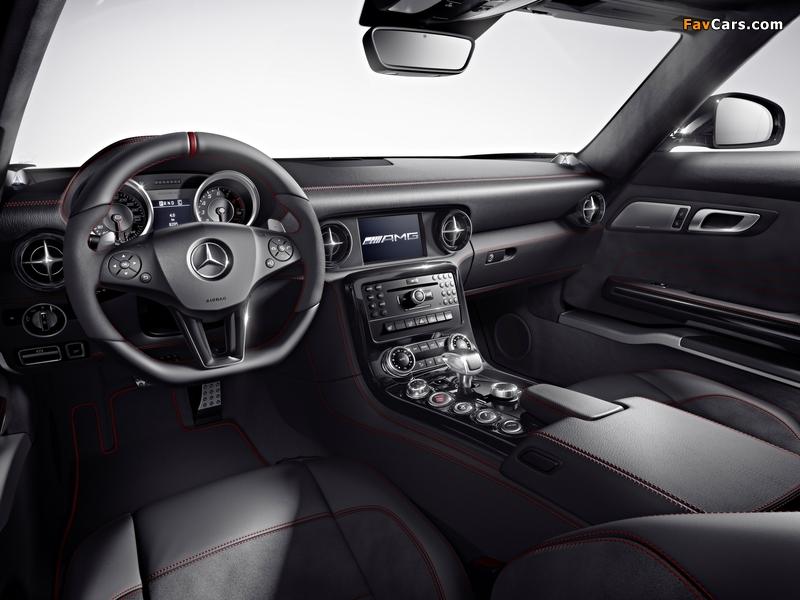 Pictures of Mercedes-Benz SLS 63 AMG GT (C197) 2012 (800 x 600)